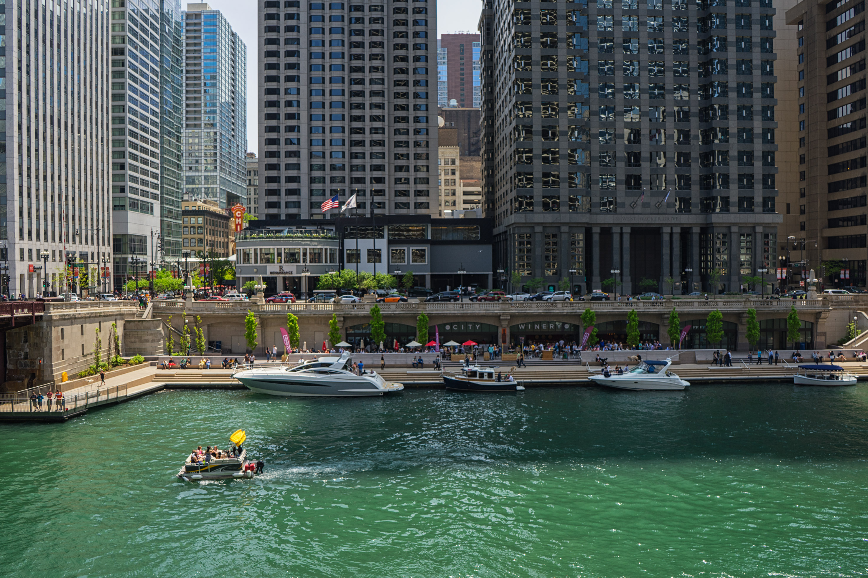 Your Guide To Exploring Chicago's Riverwalk